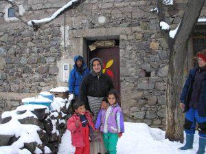 berbergezin in de sneeuw